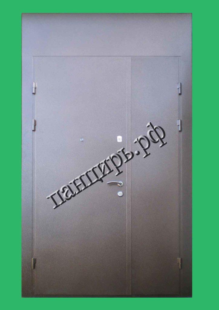 высокая техническая двухстворчатая дверь
