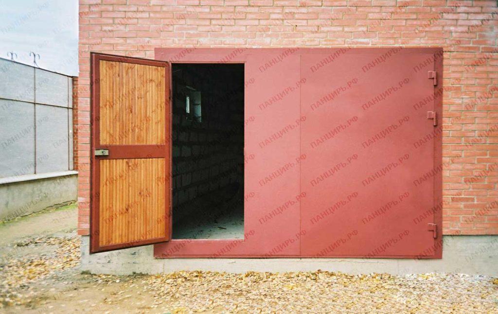 классические гаражные металлические ворота