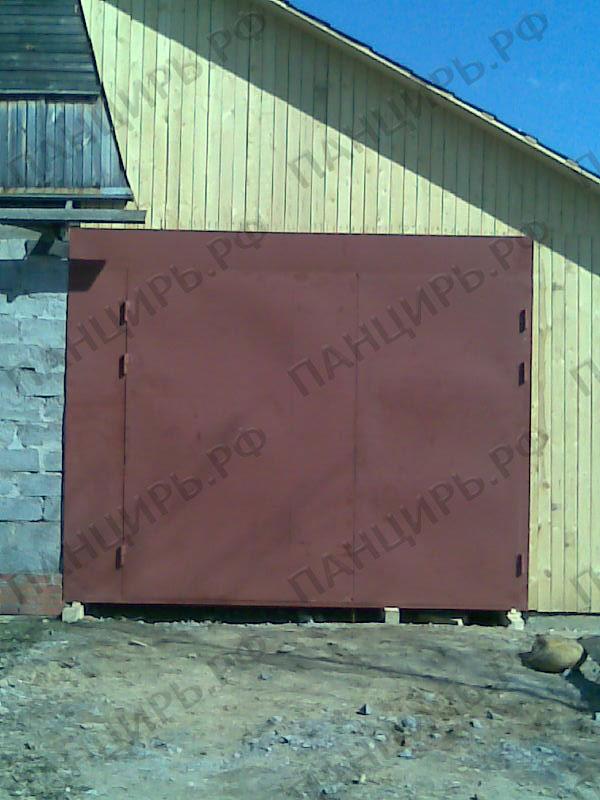 ворота в гараж в загородном доме