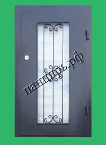 Дверь в котельную высотой 1600мм с окном и декоративной решеткой