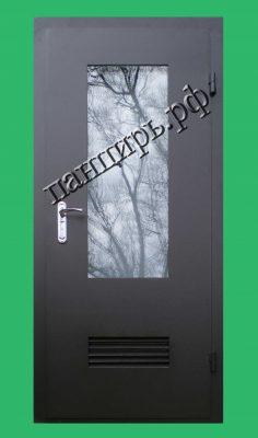 Входная дверь в котельную с окном, приточной решеткой. Площадь остекления 0,5м2.