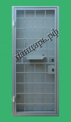 дверь в кассу с решеткой дверной блок