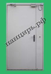 двухстворчатая техническая дверь, белая с системой доступа